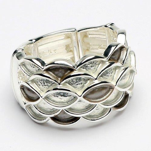 Contrast Patterned Ring