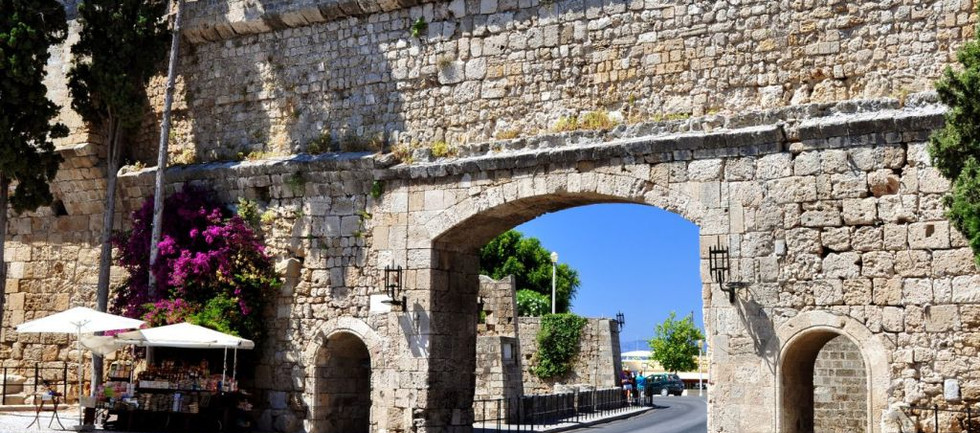 simi-square-medieval-city-of-rhodes-gree