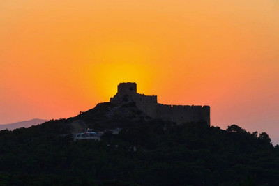 Sunset-at-Kritinia-Castle-in-Rhodes-isla
