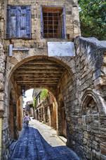 Street-in-Old-town-of-Rhodes-Greece.jpg