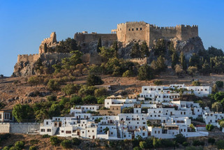 Overview-of-Lindos-village-and-Castle.jp