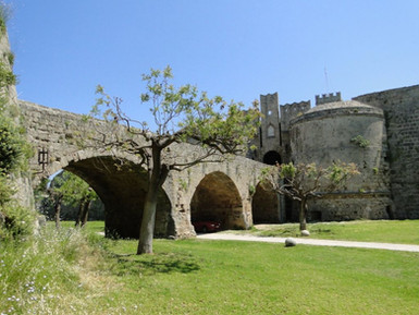 Old-bridge-and-castle-walls-in-medieval-
