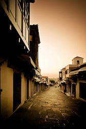 Summer-sunrise-at-streets-of-Old-town.jp