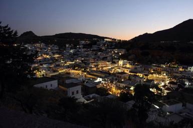 Night-view-of-Lindos-Village.jpg