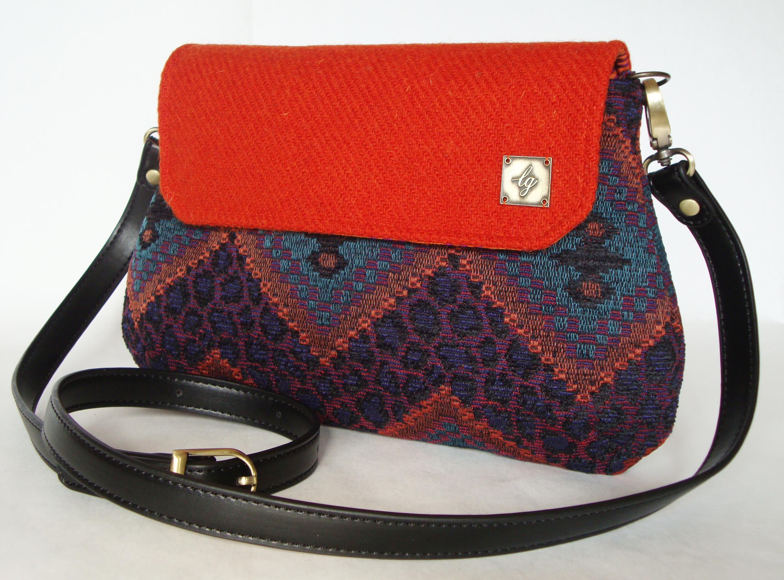 Leopard pattern shaped bag