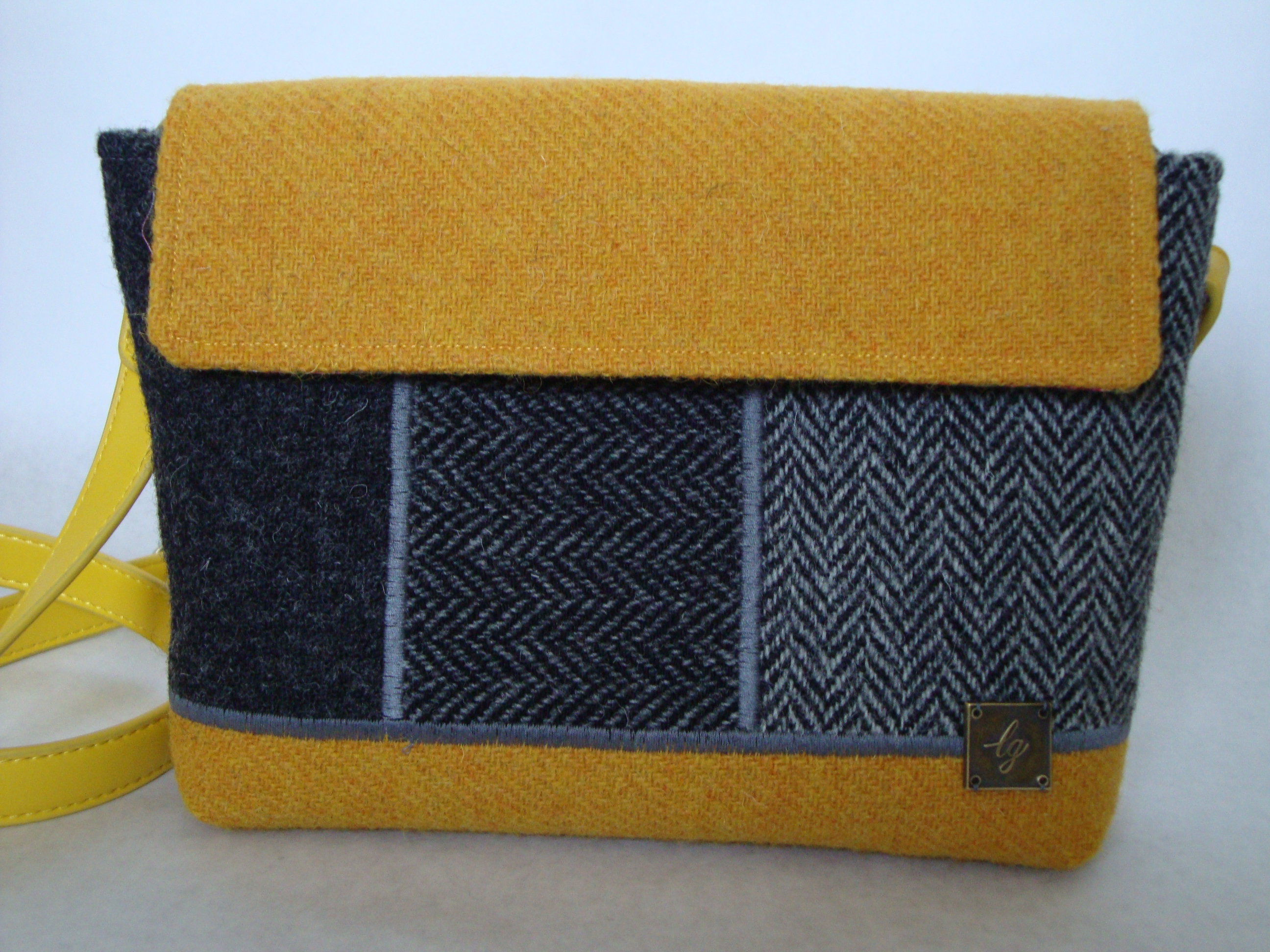 Small yellow and grey Bag