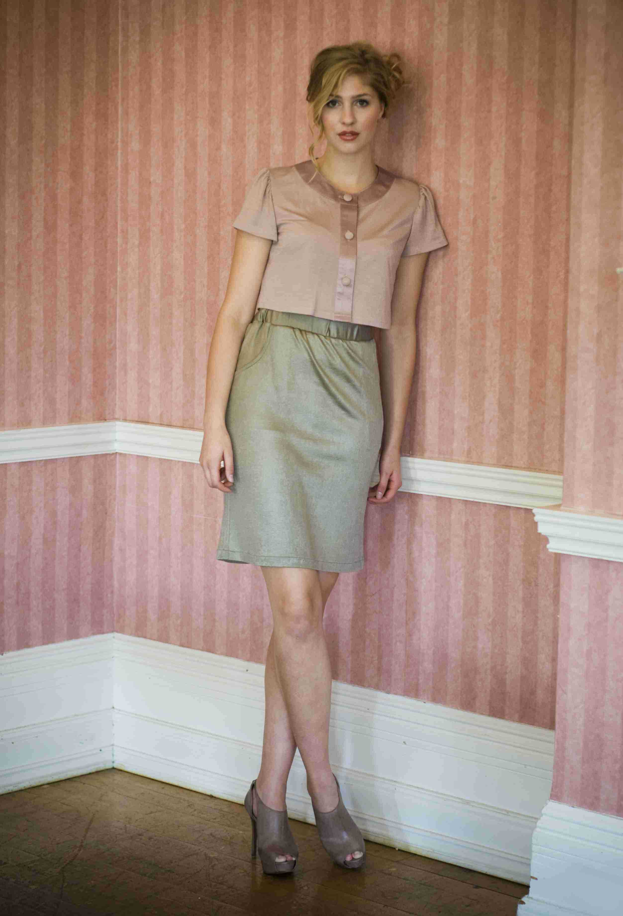 Shimmering jersey skirt with a pale dusky pink jersey and satin crop cardigan.jp