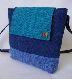 Medium blue Tweed Bag