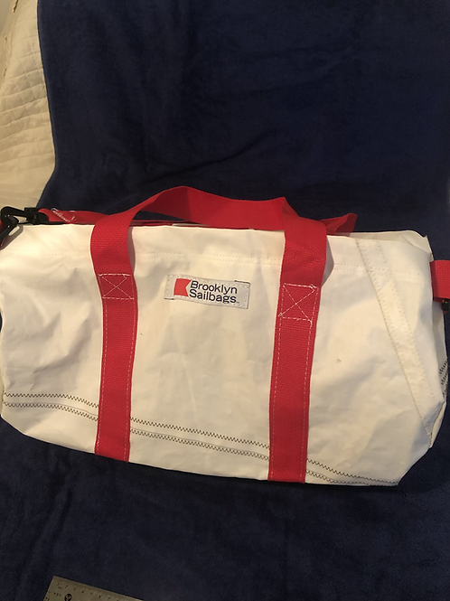 Med round duffle 262