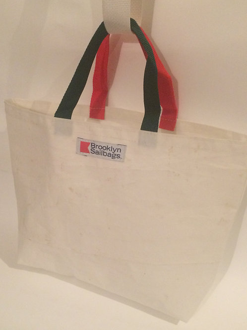 Tote medium to large in size