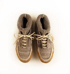 sneakers top view.jpg