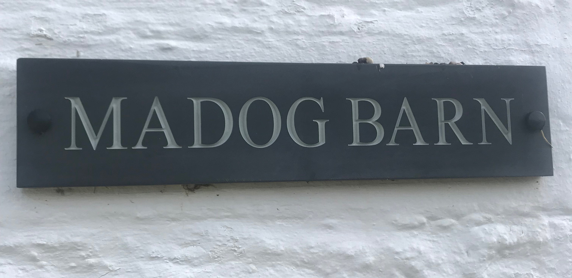 Madog Sign