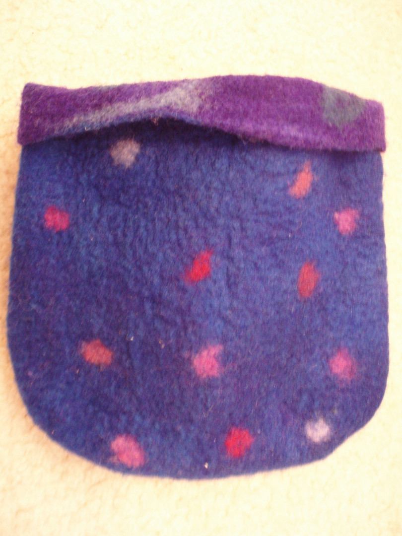 Reversable felted pouch