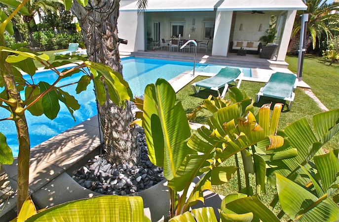 ref-100-villa-with-pool-seaview-29jpg