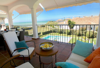 ref-118-beachfront-villa-seaview-pool-ac