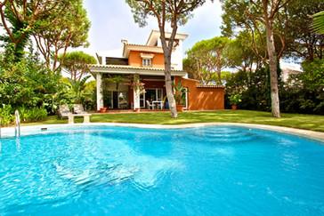 Huge Villa with pool