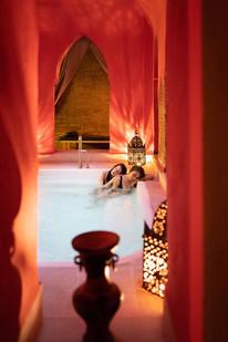 two-women-enjoying-arabic-baths-hammam-i