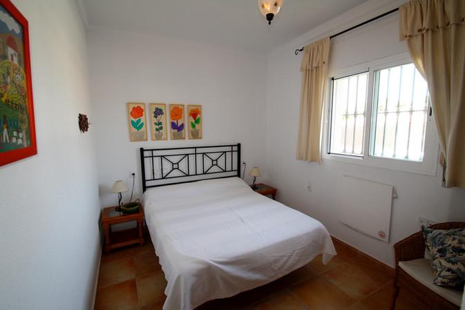 Ehebett im Schlafzimmer