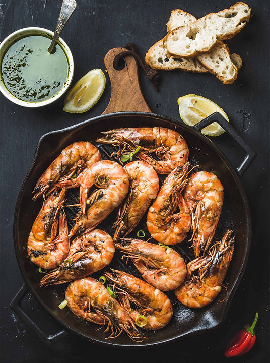 roasted-tiger-prawns-in-iron-grilling-pa
