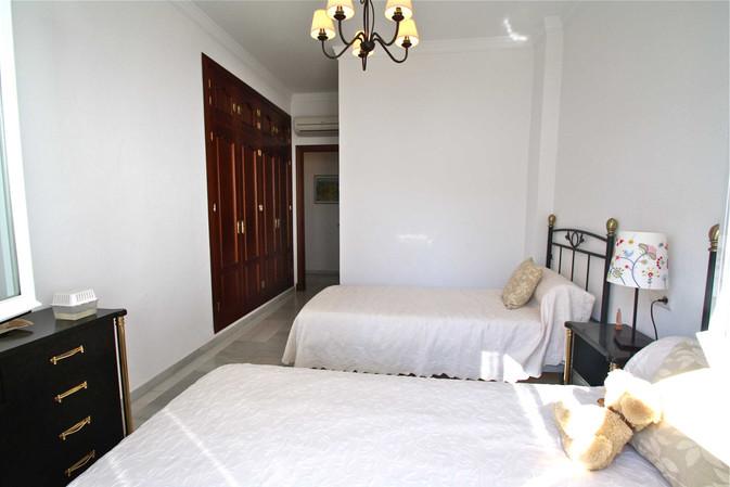 Camas y dormitorio