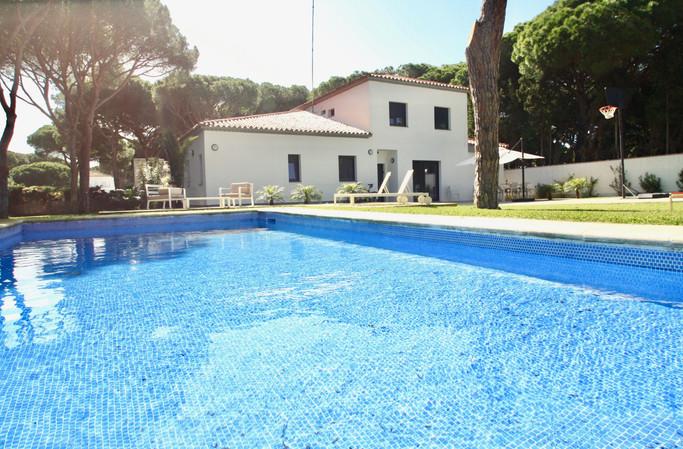 Large pool and villa