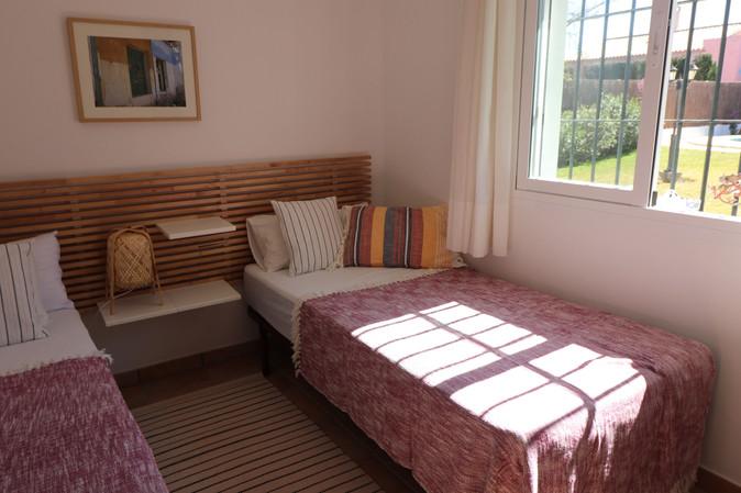 Moderne Einzelbetten in Roche