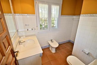 Badezimmer mit Meerblick