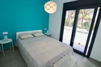 Terraza y dormitorio
