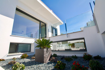 ref-170-beachfront-villa-with-seaview-3