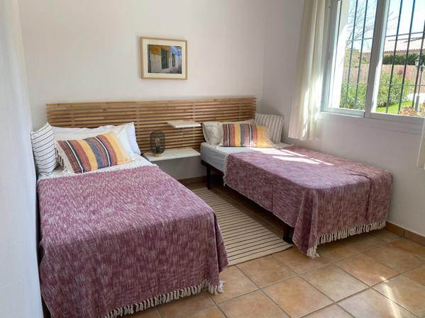 Modern single bedroom