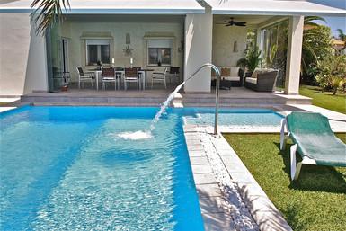 ref-100-villa-with-pool-seaview-30jpg