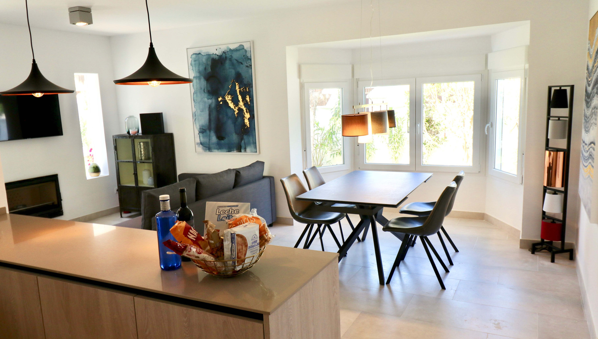 Neue Küche und Wohnzimmer