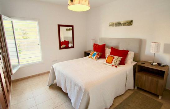 Dormiorio principal con armarios