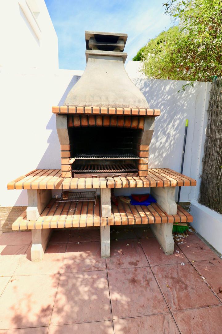 Grillplatz mit Barbecue