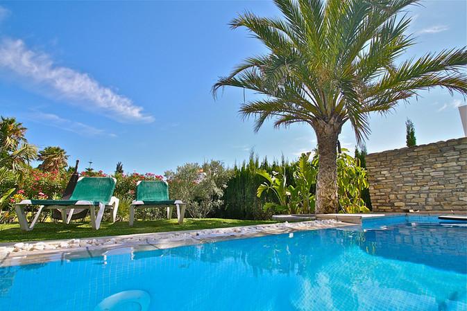 ref-100-villa-with-pool-seaview-17jpg