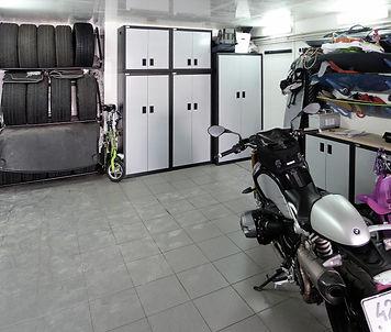 Металлическая мебель в гараже
