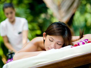 Benefits of Traditional Hawaiian Lomi Lomi Massage