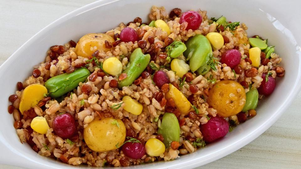pilaf-e-cebada-con-quinua,-habas,-papitas-criollas,-chuguas-y-lentejas-crocates--1.jpg.jpg