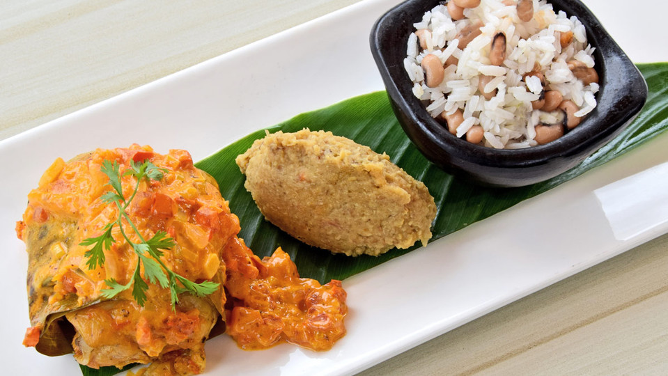 pollo-con-salsa-caribeña-cocinado-en-hojas-.jpg
