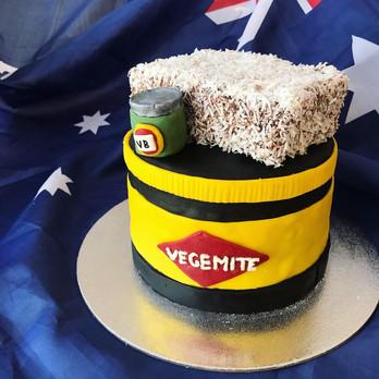 """Novelty Cake 6"""""""