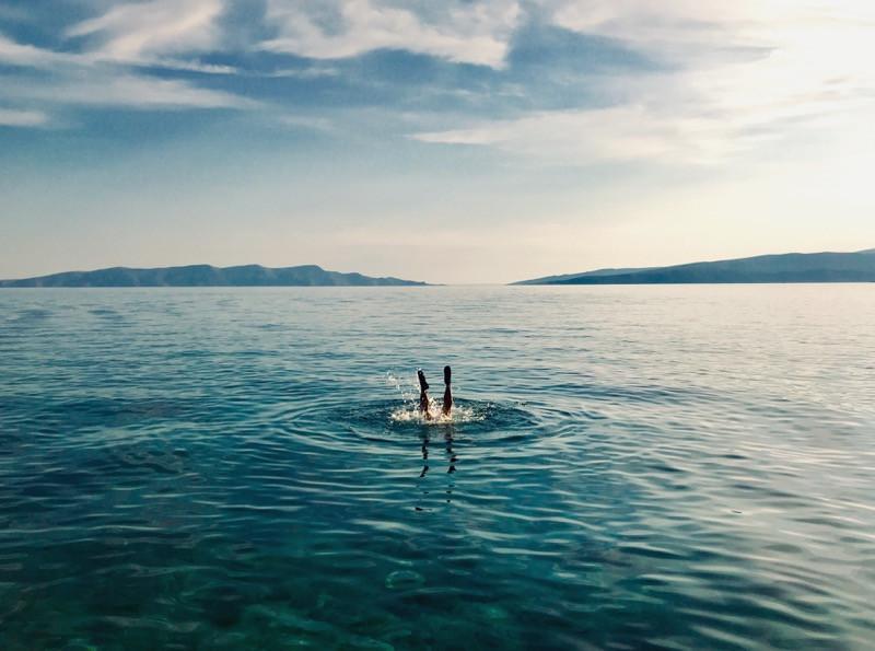 plávanie v jazere