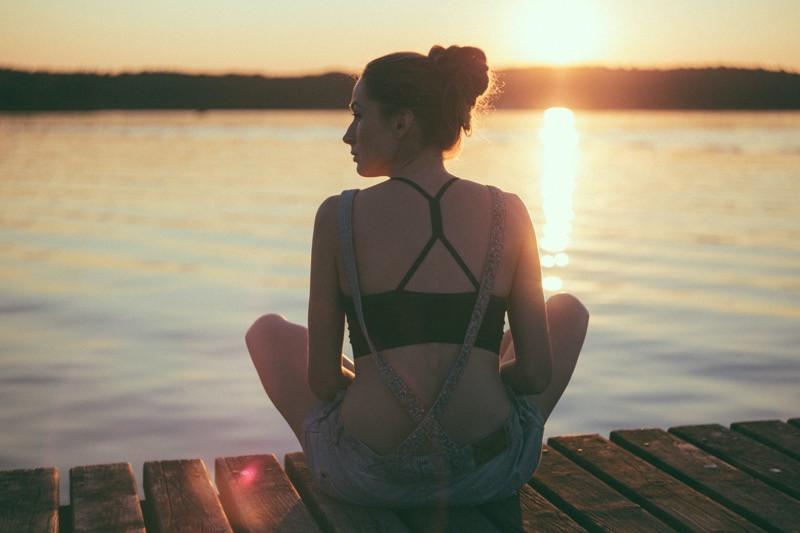 meditácia a praktizovanie všímavosti