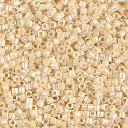 Miyuki Delica 10/0 - Opaque Cream AB 8g