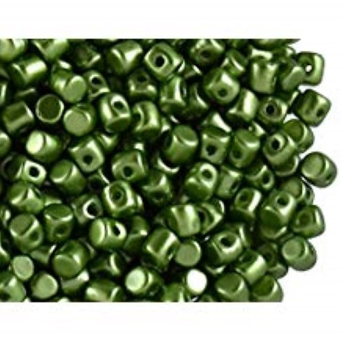 Minos Par Puca Beads - Pastel Olivine 10g