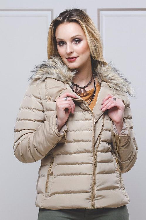 Jaqueta em Nylon  c/ Pelo