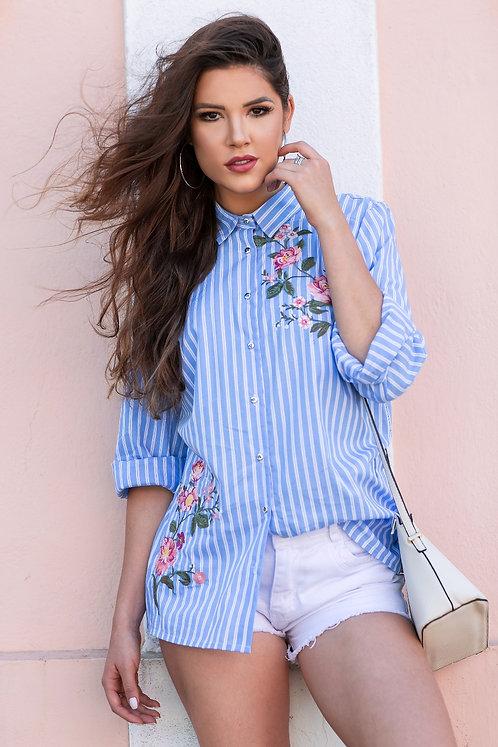 Camisa Listrada c/ Bordado Floral