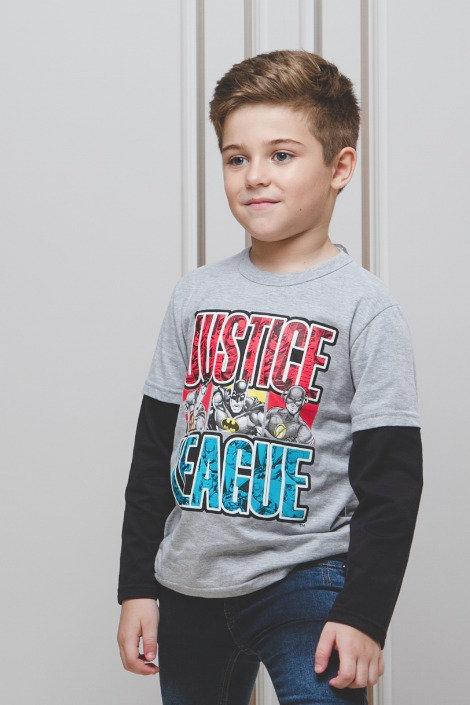 Camiseta Manga Sobreposição e Estampa Liga da Justiça