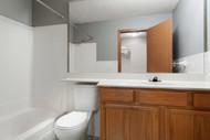 041_9801_West_Harrison_Rd_019_Bathroom_B