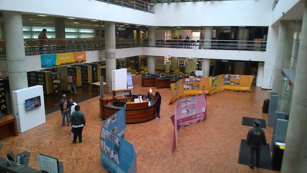 Biblioteca Pública El Tunal-2.jpg