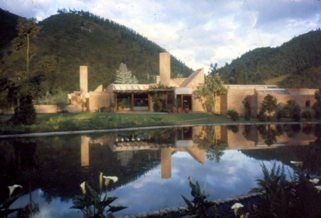 Casa Franco R Salmona 03.jpg